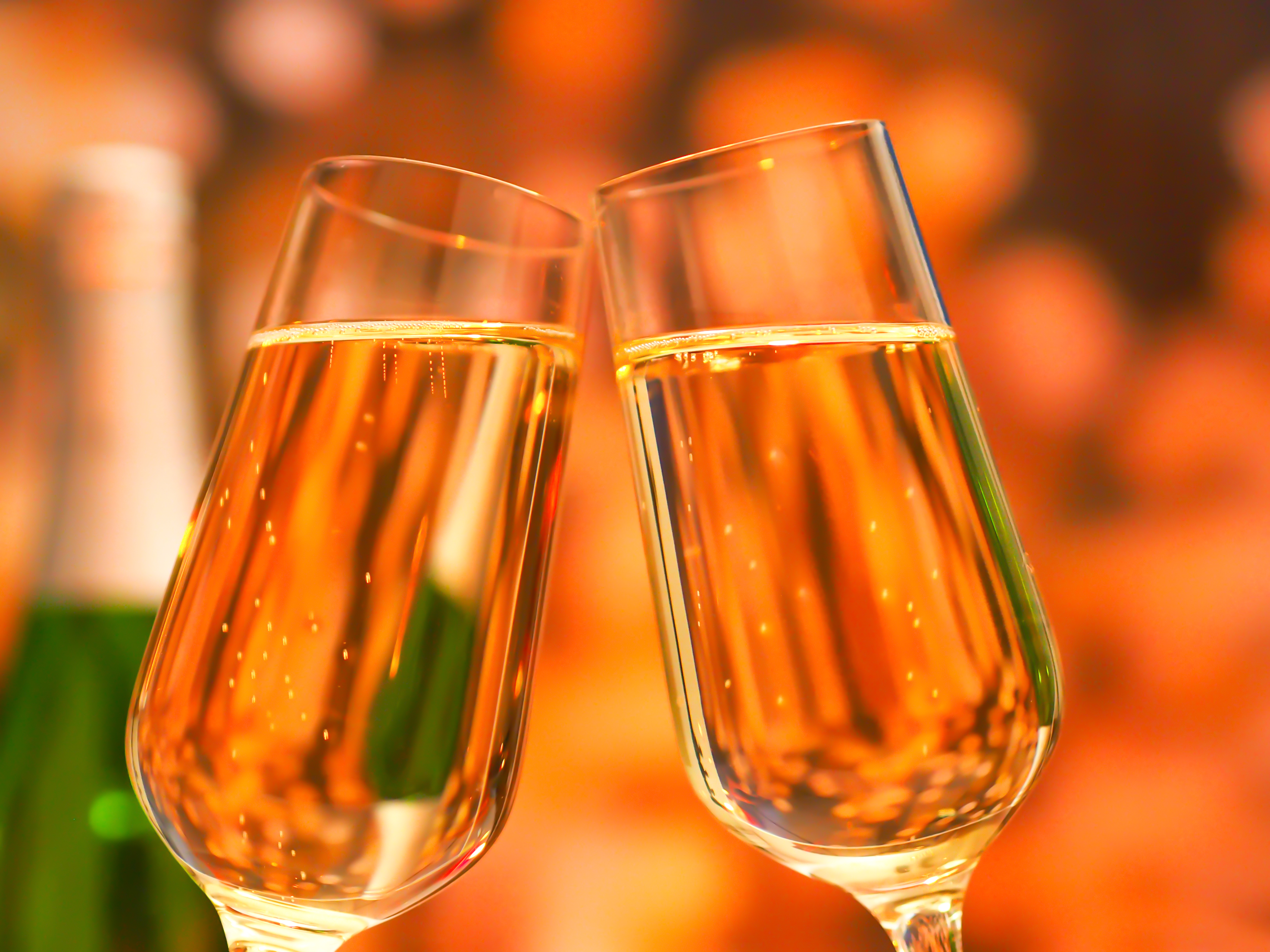 再婚男性とシャンパン